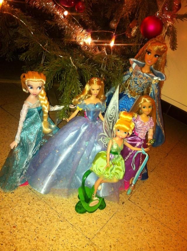 Ma collection des poupées des films de DISNEY - Page 6 Img_8645