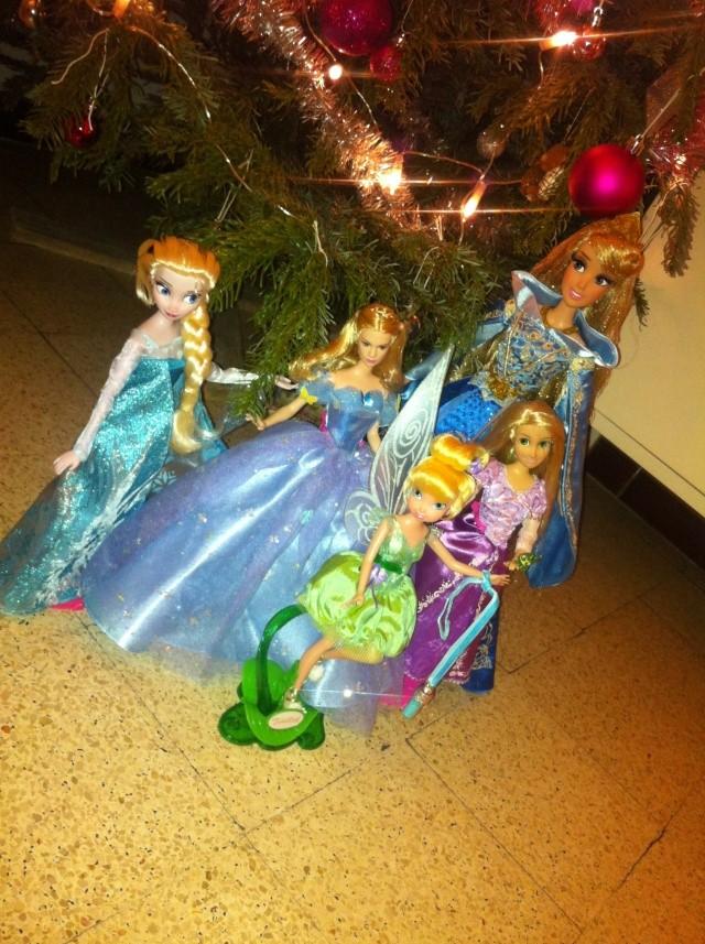 Ma collection des poupées des films de DISNEY - Page 6 Img_8651