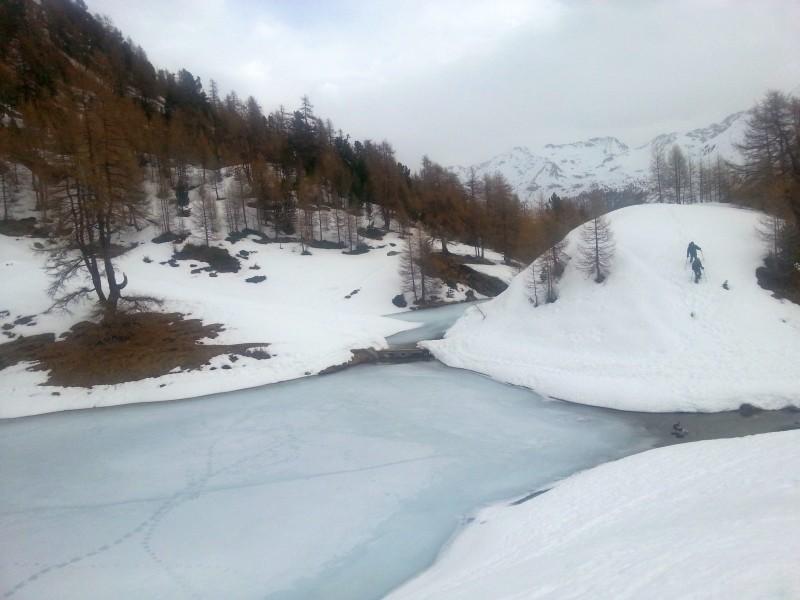 Lac bleu sous glace, qui est motivé pour l'année prochaine? Small_10