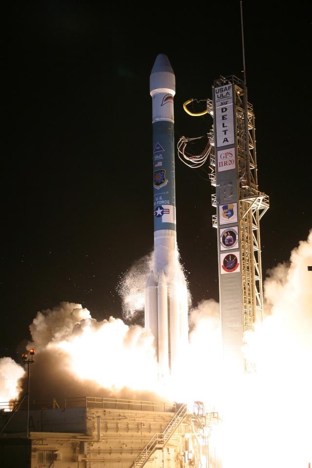 Lancement Delta 2 / GPS IIR-20 (24/03/2009) Gps2r210