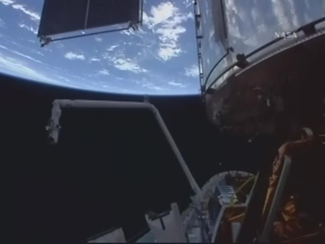 [STS-125] Atlantis : la mission - Page 6 Realp138