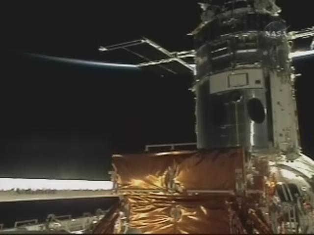 [STS-125] EVA - 2 - Page 2 Realp148