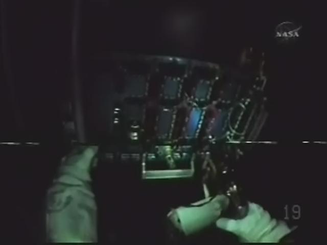 [STS-125] EVA - 4 - Page 3 Realp152