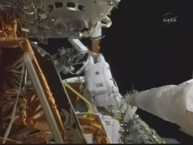[STS-125] EVA - 4 - Page 3 Realp158