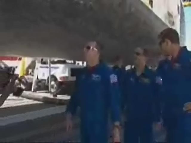 [STS 125 - Atlantis] : Retour sur Terre (dimanche 24 mai) - Page 12 Realp186