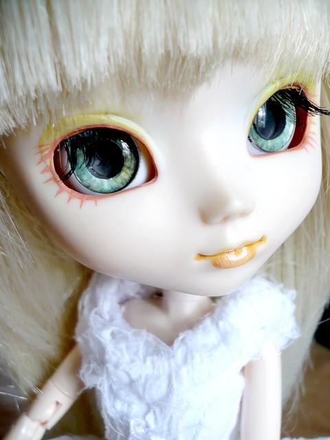 [0ctavie's dolls]I see ... Blood ? p.2 P1010211