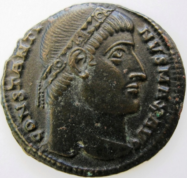 AE3 de Constantino I (Magno). LIBERTAS PVBLICA. Constantinopolis Const_10
