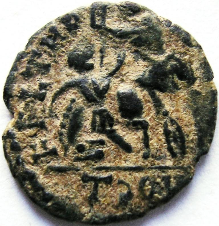 AE4 Imitativa de Juliano II o Constancio Galo. FEL TEMP REPARATIO. Imita ceca de Arlés Julian11