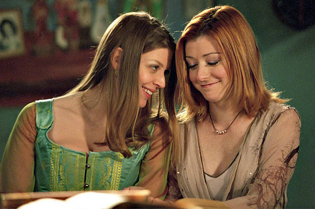 [Article] Critique du traitement des couples lesbiens à la TV [Willow & Tara citées] Buffy_10