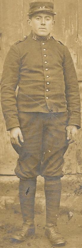 Un petit soldat de la grande guerre : portrait retouché. - Page 10 Dauver11