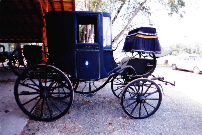 Les véhicules du XVIIIe siècle : carrosses, berlines, calèches, landaus, cabriolets etc. Le_cou10