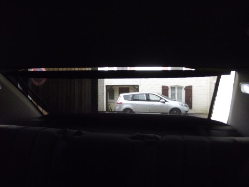 Rideau pare-soleil arrière électrique Dscf1926