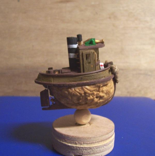 TOOT TOOT! remorqueur coquille de noix 01612