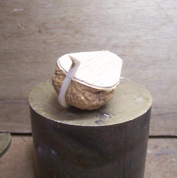 NEF CATALANE  XVe (coquille de noix ) 0422
