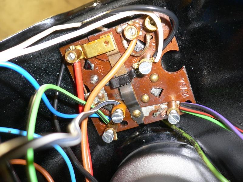R27 voyant charge batterie reste allumé D_3510