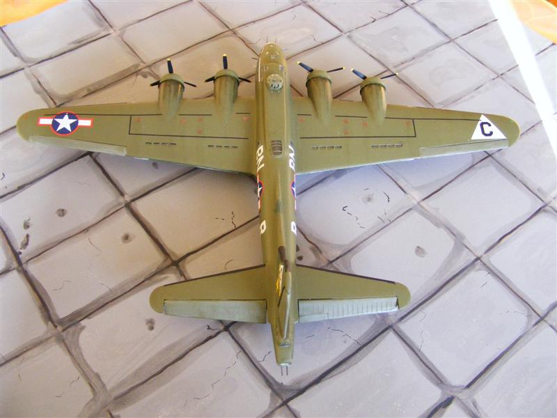 [Revell] B17 Drone Gremlin Gus II [ Fini] B17_re11