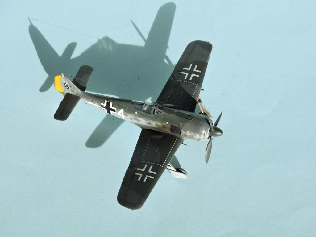 "Zvezda Focke Wulf 190 A4 ""FINIT"" - Page 2 Focke102"