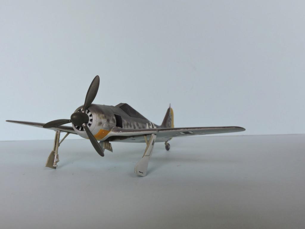 "Zvezda Focke Wulf 190 A4 ""FINIT"" - Page 2 Focke_86"