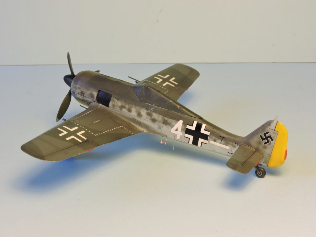 "Zvezda Focke Wulf 190 A4 ""FINIT"" - Page 2 Focke_91"