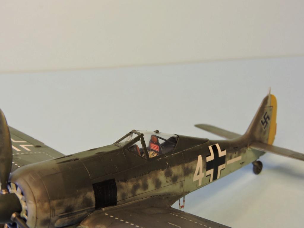 "Zvezda Focke Wulf 190 A4 ""FINIT"" - Page 2 Focke_96"