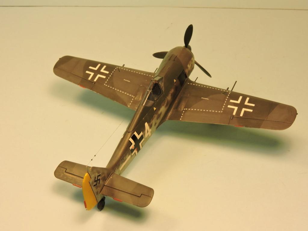 "Zvezda Focke Wulf 190 A4 ""FINIT"" - Page 2 Focke_98"