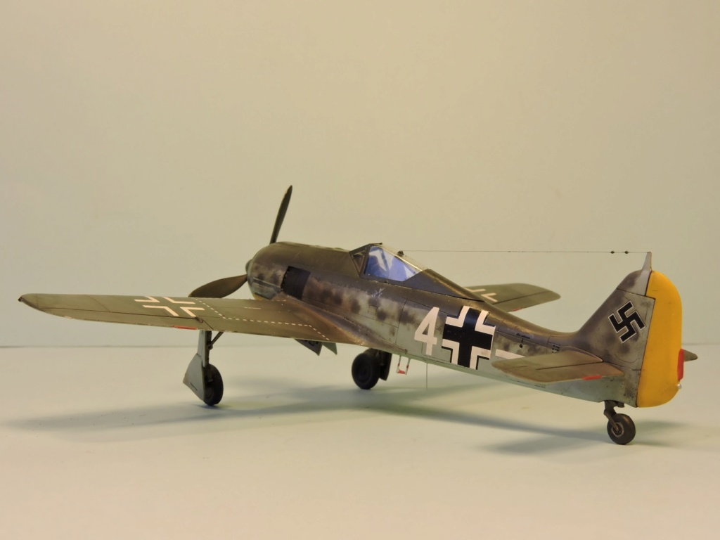 "Zvezda Focke Wulf 190 A4 ""FINIT"" - Page 2 Focke_99"