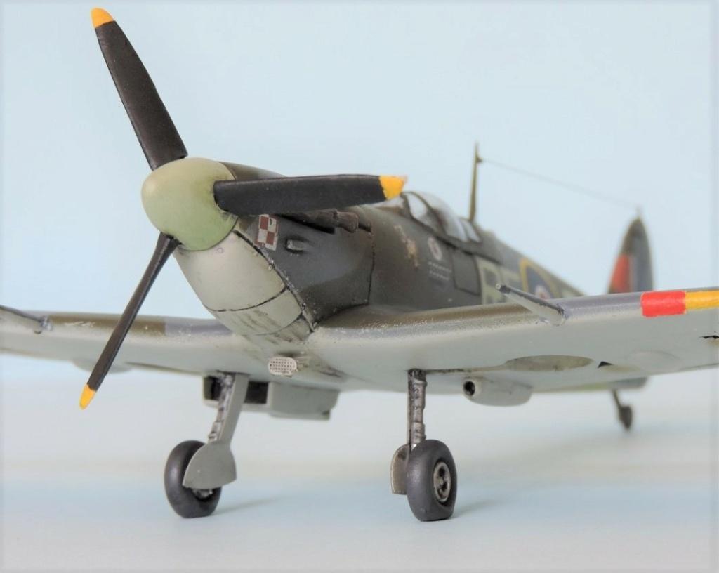 [Airfix] Spitfire MKV Spitfi46
