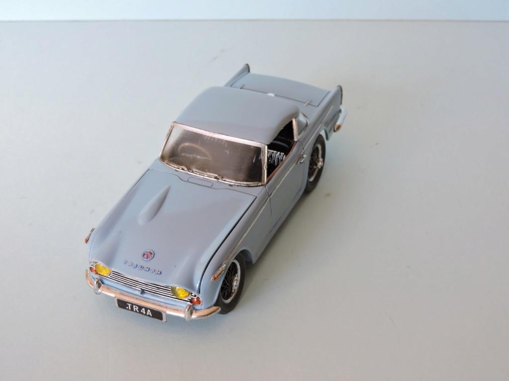 Pas-à-pas : Jaguar XJ 220 [Revell 1/24] *** Terminé en pg 5 - Page 5 Triump14