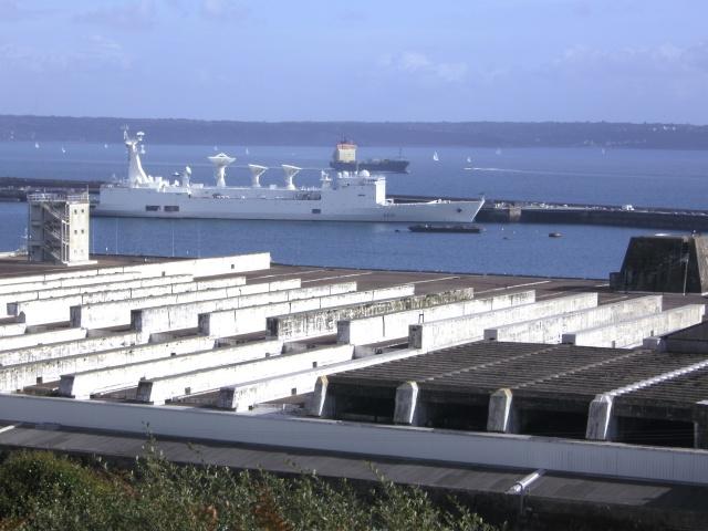[Les ports militaires de métropole] Port de Brest - Page 4 11410