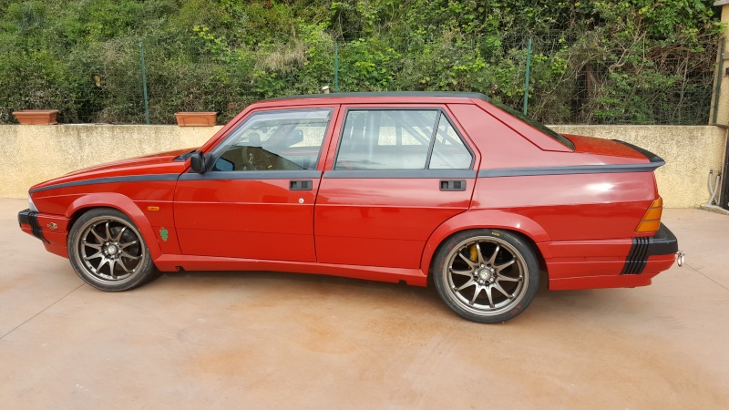 Alfa 75 turbo rouge de piste 20160428