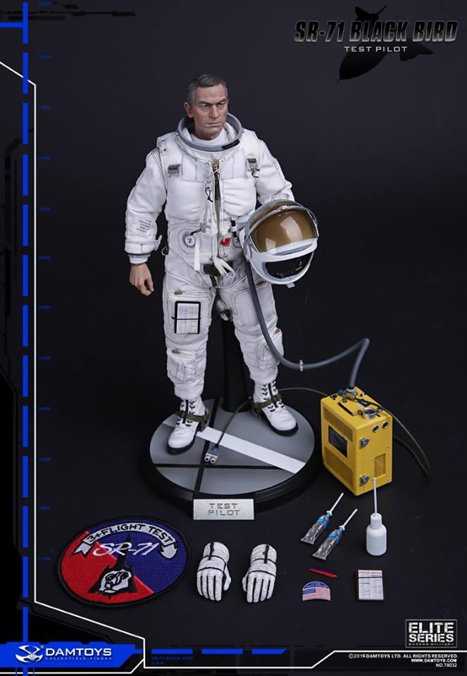 Blackbird SR71 - Test pilot: 1/6  (Dam toys) 13010610