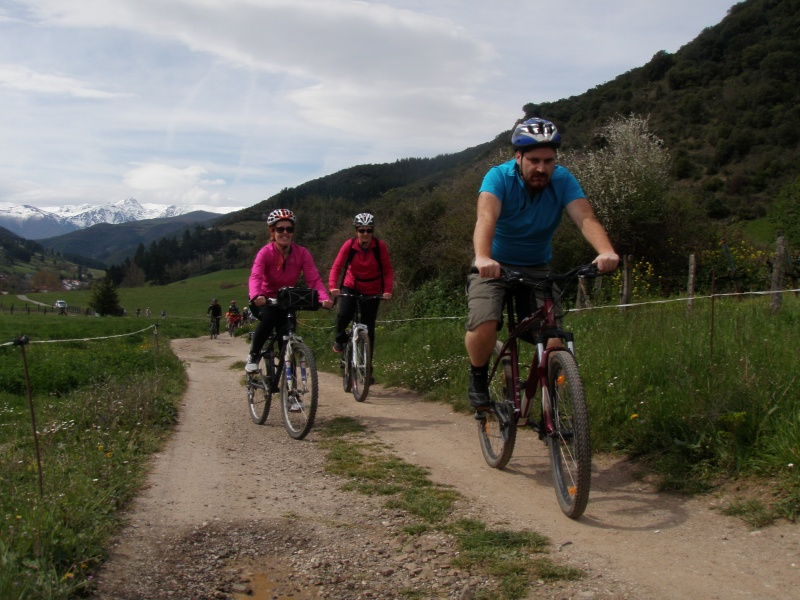 Proyecto Bici-Liébana Fiesta de la Bicicleta en Potes 19-4-16 P1010110