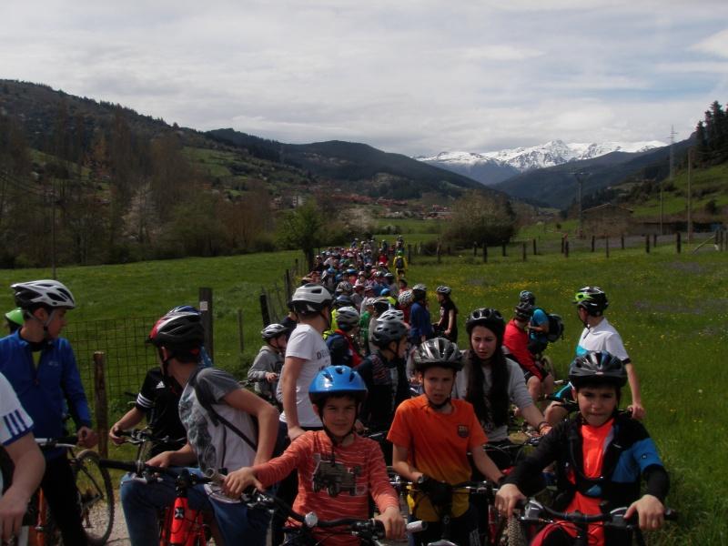 Proyecto Bici-Liébana Fiesta de la Bicicleta en Potes 19-4-16 P1010111