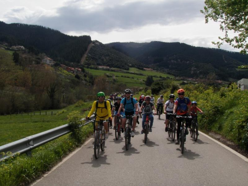 Proyecto Bici-Liébana Fiesta de la Bicicleta en Potes 19-4-16 P1010113