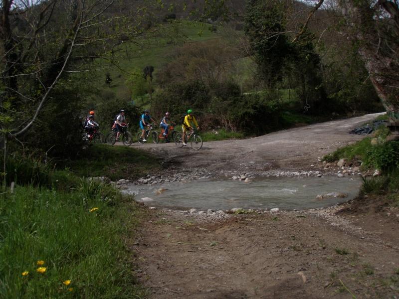 Proyecto Bici-Liébana Fiesta de la Bicicleta en Potes 19-4-16 P1010115