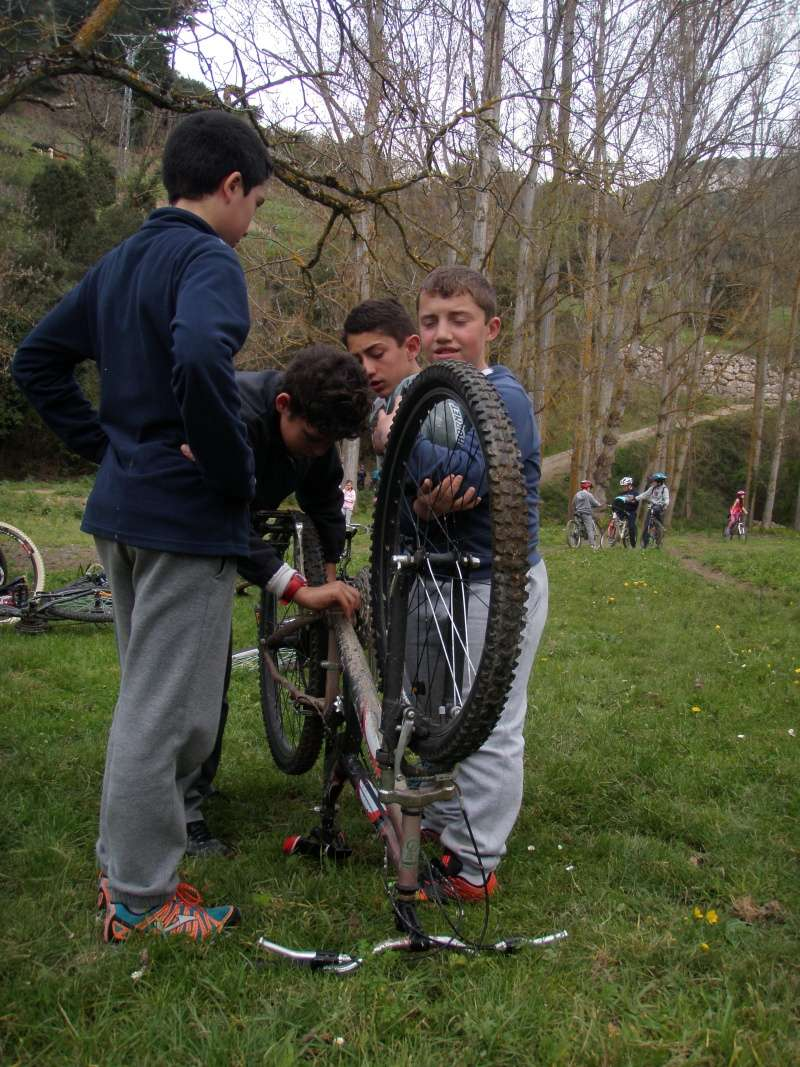 Proyecto Bici-Liébana Fiesta de la Bicicleta en Potes 19-4-16 P1010217