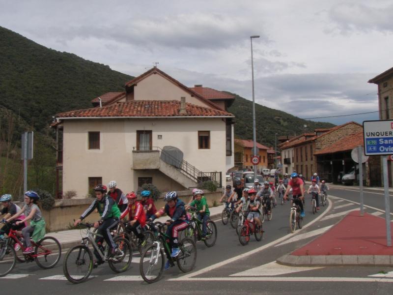 Proyecto Bici-Liébana Fiesta de la Bicicleta en Potes 19-4-16 P1010314