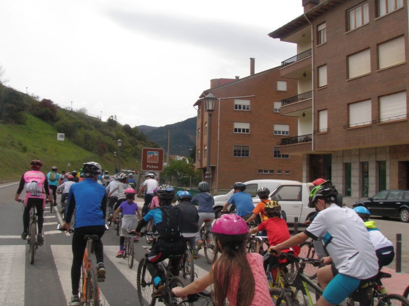 Proyecto Bici-Liébana Fiesta de la Bicicleta en Potes 19-4-16 P1010410