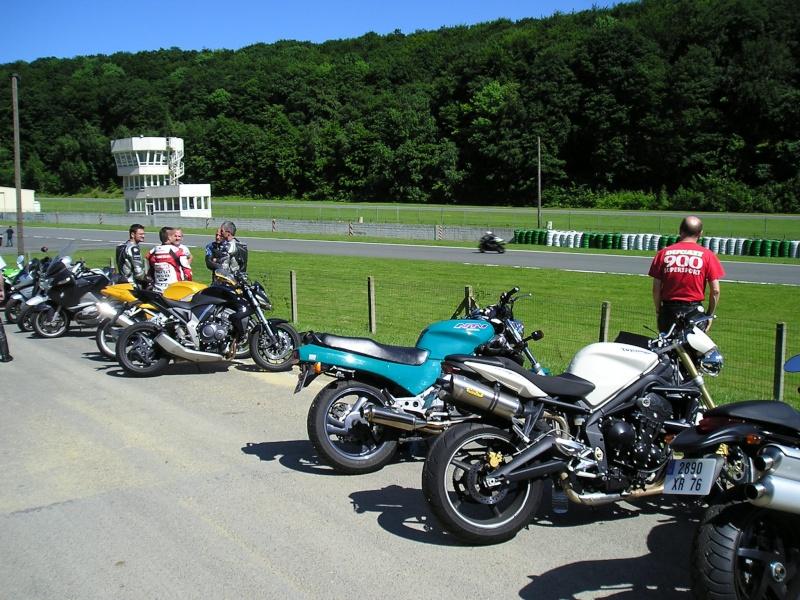 29/05/2009 : roulage circuit Folembray avec Moto Revue P1010010