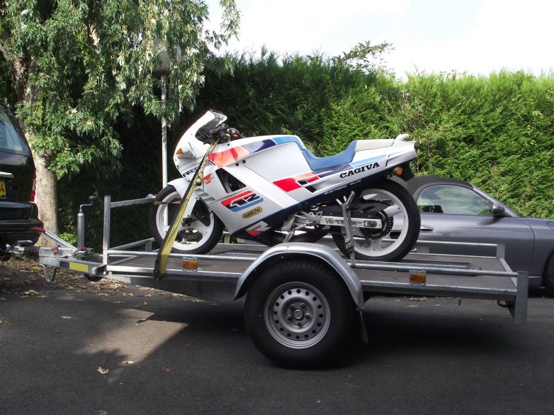 Remorque pour transporter une roadking - Page 3 Dscf0110