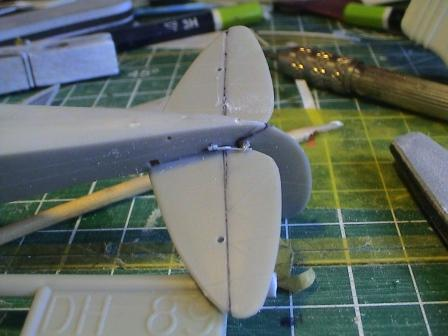 [Heller] De Havilland DH89 Dragon Rapide + Conversion DH 84 Dragon Dh1210