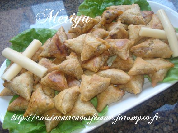 Briwates marocaines (Triangles)  aux foie de poulet Dsc06914