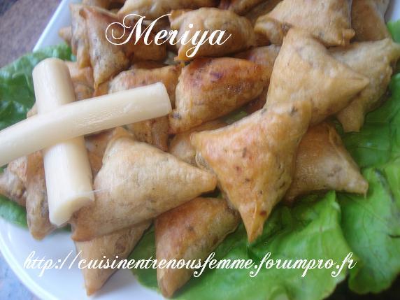 Briwates marocaines (Triangles)  aux foie de poulet Dsc06915