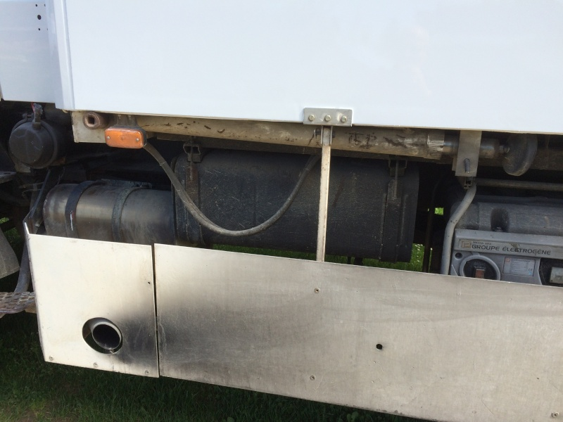 verins stabilisateurs de cellule camping car Img_0410