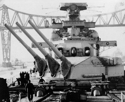 Croiseur de bataille Scharnhorst Heller au 1x400 Scharn10