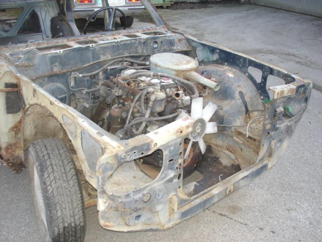 220C pour resto - Page 2 Datsun11