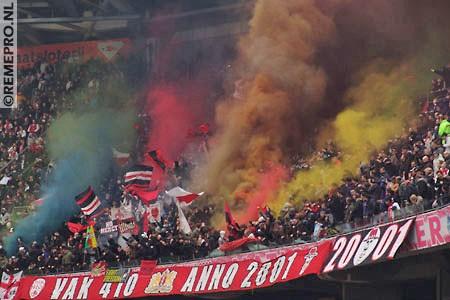 Ultras Choreos (Pyro, Flags, Smokes) 15313