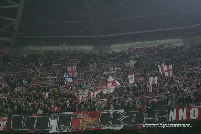 Ultras Choreos (Pyro, Flags, Smokes) 410_zi10