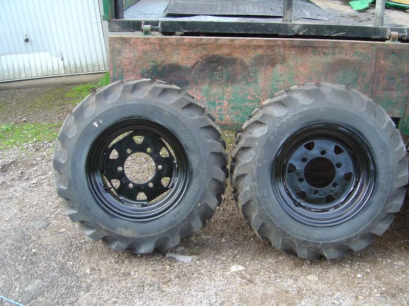mes nouveaux pneus Dsc03016