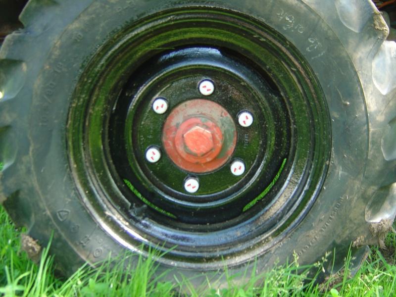mes nouveaux pneus Dsc03115